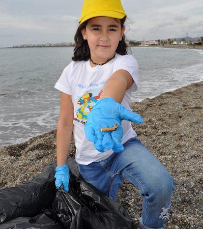 Educación ambiental sobre basuras marinas Libera 2017
