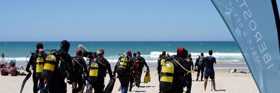 Buceadores voluntarios limpiarán los fondos marinos en 50 enclaves litorales